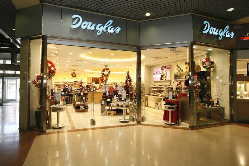 Douglas celebra estos días en Madrid su propio outlet