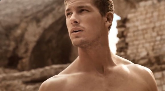 Adam Senn, el bello modelo que da imagen a The One Sport de Dolce & Gabbana