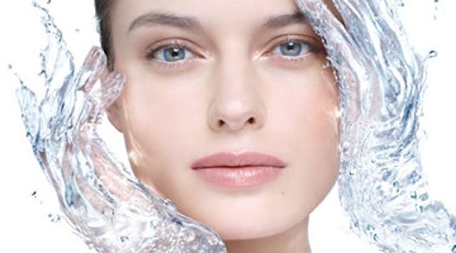 10 brumas hidratantes para rostro, cuerpo y cabello