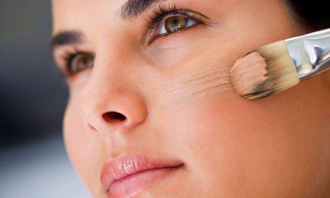Aplica correctamente tu base de maquillaje con estos consejos
