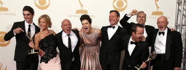 El equipo de la serie Breaking 54389866280 51351706917 600 226 Las mejor y peor vestidas de los Emmy