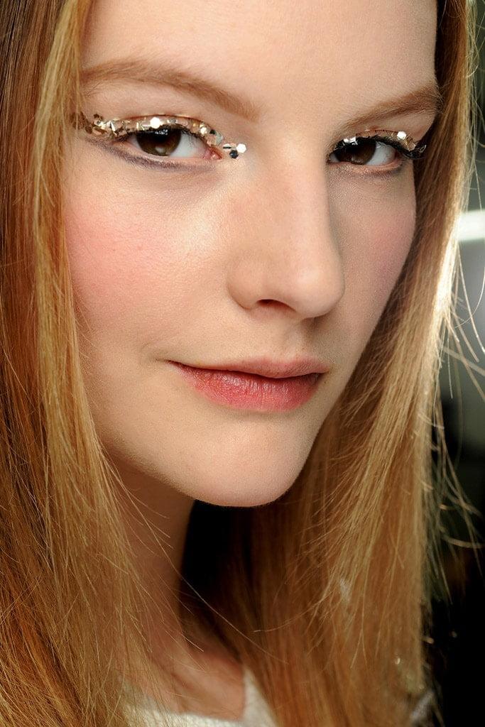 20_looks_de_eyeliner_directos_desde_el_backstage_152867479_683x1024