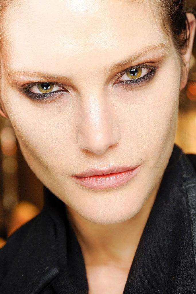 20_looks_de_eyeliner_directos_desde_el_backstage_918869463_683x1024