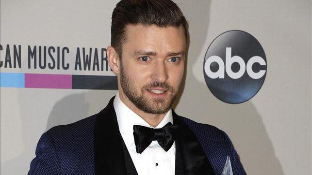 Las mejores y peores vestidas de los American Music Awards 2013