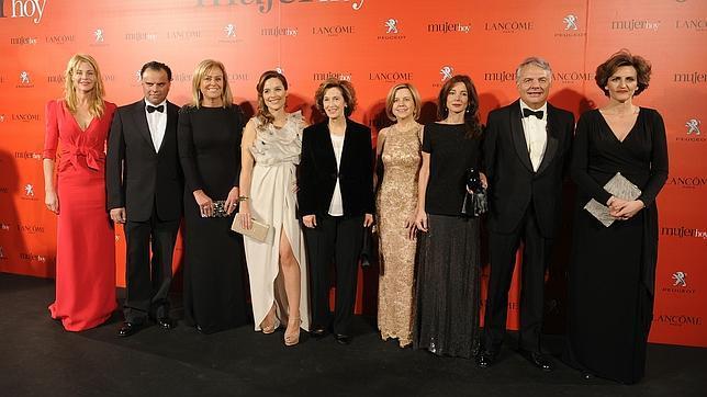 Las famosas se vuelven a reunir en los Premios Mujer hoy 2013