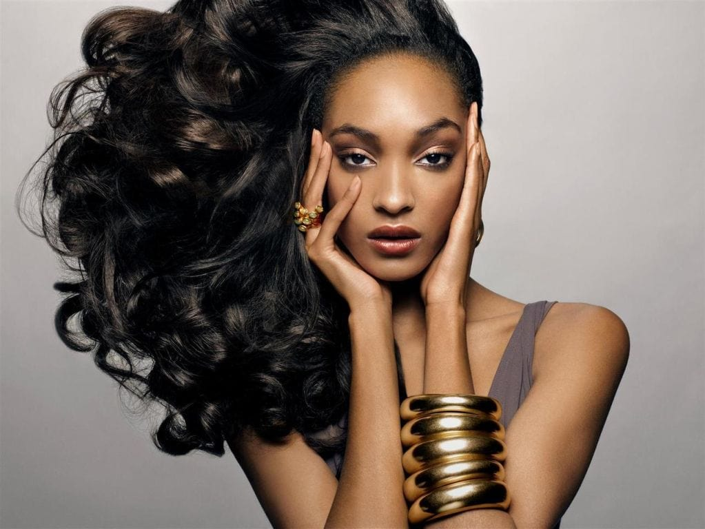 Jourdan Dunn, nueva embajadora de Maybelline New York