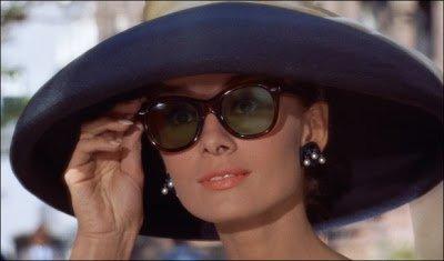 Audrey-Hepburn-Breakfast-at-TIffanys-Ray-Ban-1