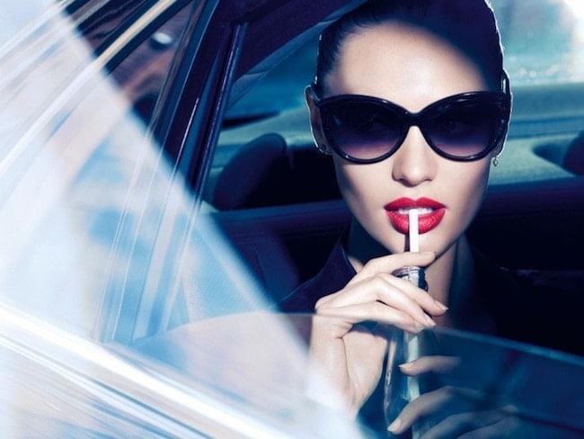 Candice Swanepoel irresistible en su nueva campaña para Max Factor