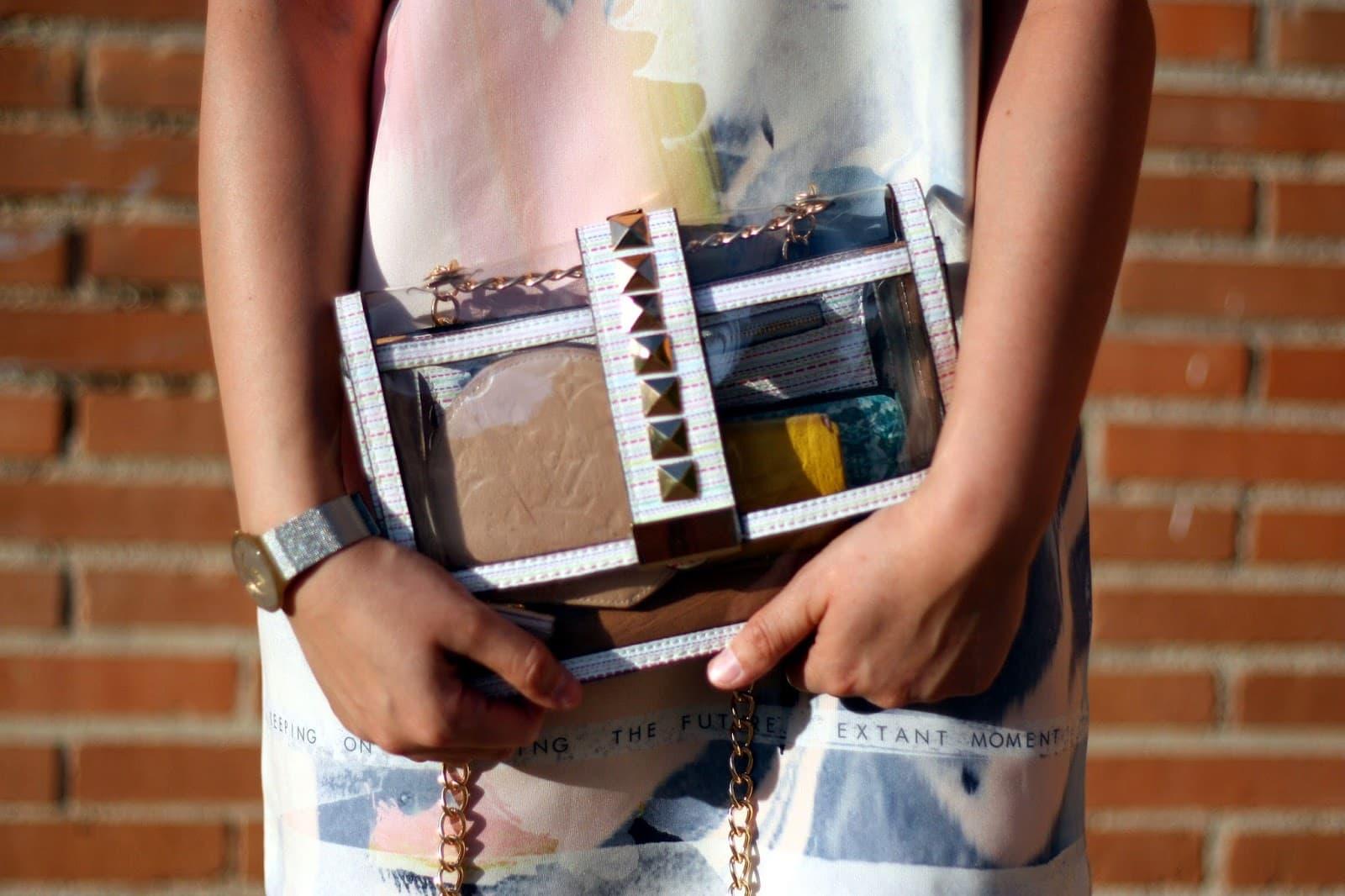 Prepara tu neceser de belleza para el bolso