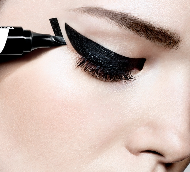 Maybelline lanza un eyeliner multi-efecto