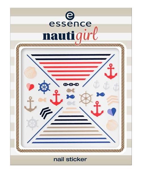 La última colección veraniega de Essence, de lo más navy