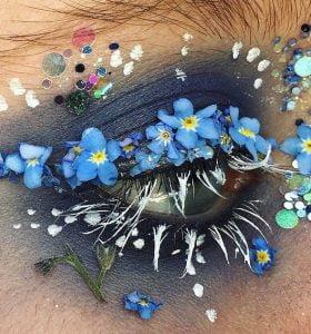 Nueva tendencia viral en Instagram, adorna tus ojos con flores